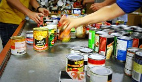 food-bank-volunteer
